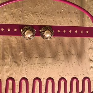 Jewelry - Sterling silver pearl earrings